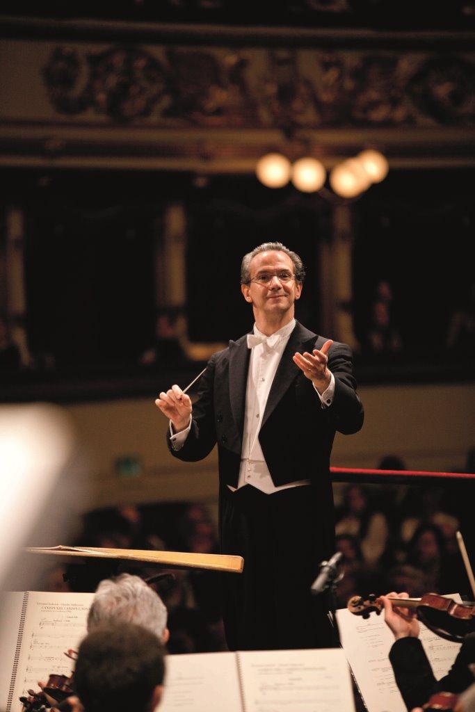 Il Maestro Fabio Luisi (Foto by Silvia Lelli).